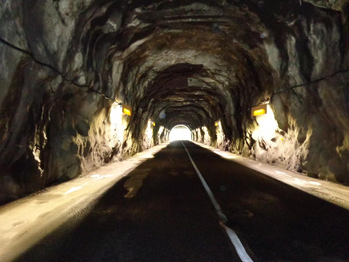 TUNNEL VILLARET DU NIAL TRAVAUX ECLAIRAGE @ HAUTETARENTAISE.FR.jpg